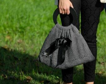Knitted grey wool bag. Borsa in lana grigia