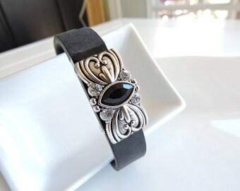 Fitbit Bracelet Jewelry ~ Fitbit Flex bracelet Jewelry Slide-on Accessory - Detailed and Ornate Scroll Hearts w Center Focal FitBit Jewelry