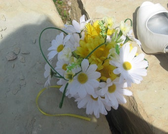 Rustic, Yellow and White Daisy Bridal Bouquet, with Burlap Wrapped Handle.