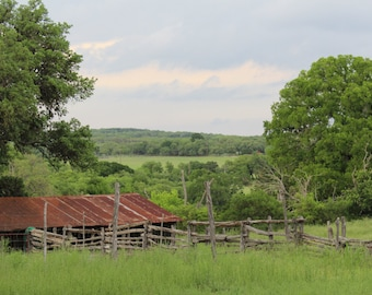 Rustic Building w/view Photo