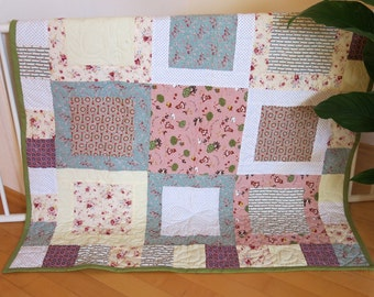 CUSTOM QUILT Modern baby or toddler quilt, free-hand machine quilted
