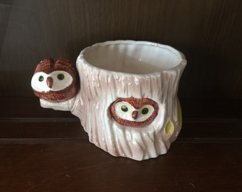 Adorable Vintage Planter with Two Owls