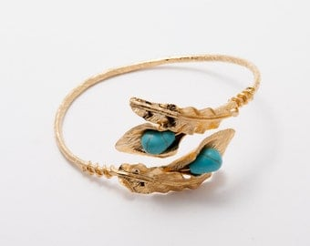 Double Calla Lily Bracelet with Turquoise Beads