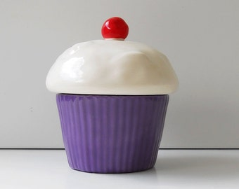 Cupcake Trinket Box in Purple Orchid