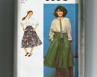 Simplicity Misses' Skirt and Blouse Pattern 8680