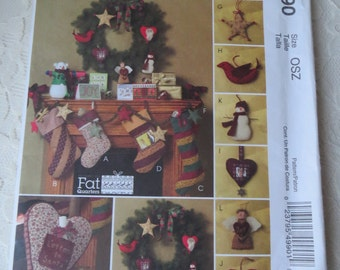McCall's M4990 Crafts Sewing Pattern Fat Quarters Christmas Garland Stockings Star Snowman Heart Santa Ornaments