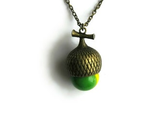 Green Acorn Pendant, Women Jewelry, Acorn Charm Green, Opalescent Glass, Christmas Jewelry, Acorn Nut, Acorn Pendant, Acorn Necklace