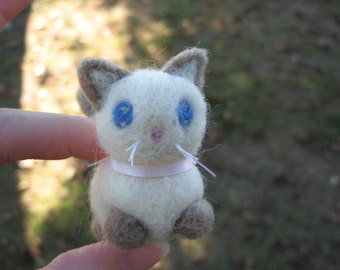 Needle Feletd Siamese Cat Moppet the Little Kitty Figurine