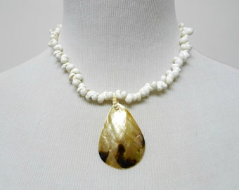 JUSTINE . seashells necklace