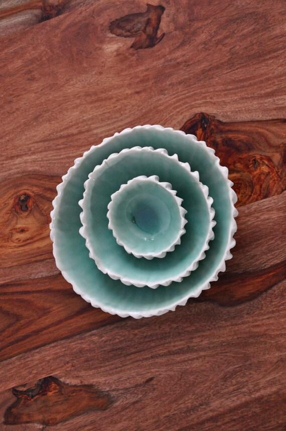Cuivre en céramique blanche bols bleus en céramique de nidification - bol en porcelaine fait main Set bols bols de service