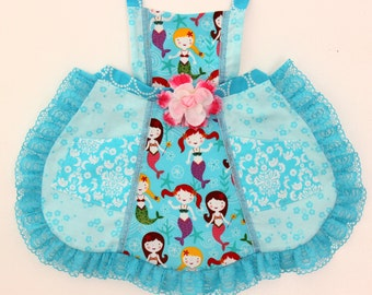 Pretty Mermaids in a Row  Apron