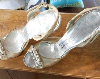 DeLisa Debs - Vintage Cinderella Slippers - Lucite Heels - Crystal Adornment - Sz 7