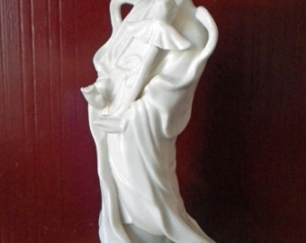 Beautiful vintage ARDCO Guan Yin porcelain statue made in Japan