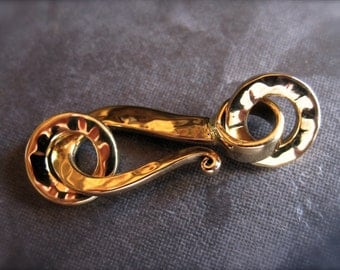 Hammered bright golden bronze hook and eye clasp - 24mm X 11mm
