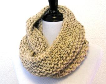 Chunky Knit Infinity Scarf - Oatmeal