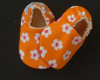 Soft Sole baby Shoe, baby Slipper, Baby Girl, Daisey, Orange , Pink, Organic Cotton Fleece, baby Shower