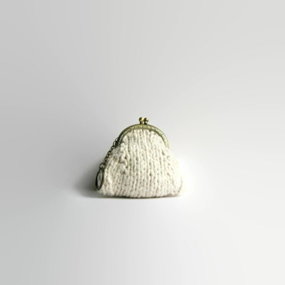 Coin Purse, Pouch Keychain, Kiss Lock Coin Purse, White Cotton Knit, Clasp Coin Purse, Knitted Coin Purse, Coin Purse Keychain
