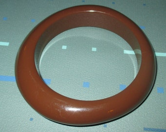 Vintage MOD Brown Lucite Plastic Chunky Abstract Bangle Bracelet