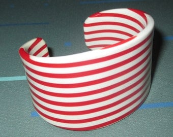 Vintage MOD Red and White Striped Plastic Cuff Bracelet