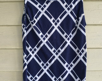 mod vintage tunic top graphic design 1960s pattern  navy and white