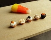 Dollhouse Miniature Food Halloween Cupcakes
