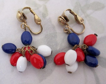 vintage red white and blue glass bead dangling drop clip on earrings - j5890