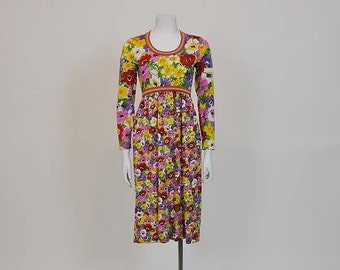 1960s dress / Vintage 60's Dress Mod Goldworm Floral Novelty Print Dress