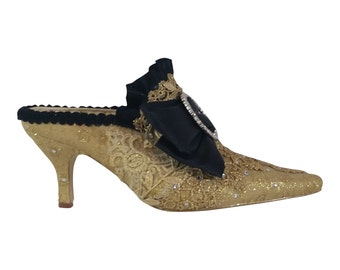 Marie Antoinette Wedding Shoes .. Fancy Dress Shoes ..Paris theme ..  Gold and Black Shoes .. Free US Postage