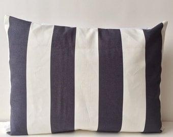 14x18 dark blue and white, stripe pattern