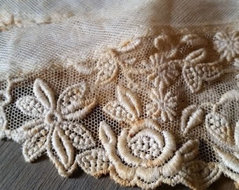 Antique Edwardian Lace Collar Piece..1910's Off White