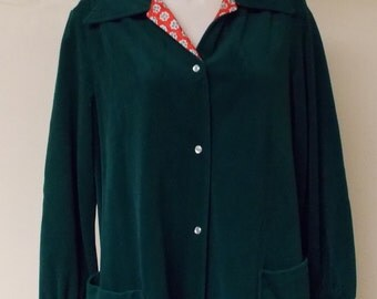 Vintage Evelyn Pearson dark green snap front robe