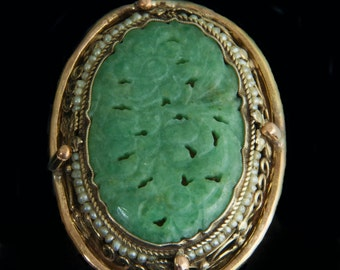 Treasure From an Antique Hunt Carved Jade ring