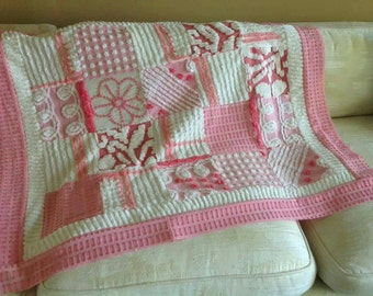 pink white quilt vintage chenille patchwork lap quilt baby blanket shabby cottage chic