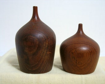 Vintage Teak Salt & Pepper Shakers Weed Pot Shape Teardrop Jug Mid Century Danish Salt Pepper