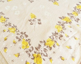 1950s  Yellow Tablecloth,  Rose Tablecloth, Tan Tablecloth, Cottage Cotton Tablecloth, Yellow Roses