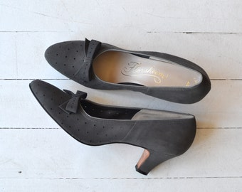 Pinpoint Shale heels | vintage 1950s shoes | gray 1950s heels 8