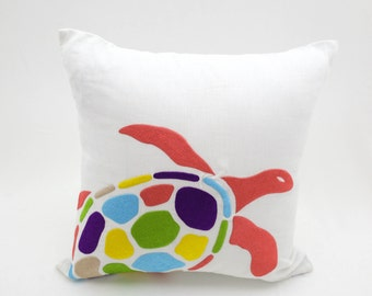 Sea Turtle Pillow Cover, White Linen Sea Turtle Embroidery, Cottage Pillow, Nautical Couch Pillow, Decorative Pillow, Sea Life decor,Cushion