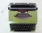 SALE !!! 25 % OFF ! green REMINGTON SPeRRY with case / vintage Dutch typewriter