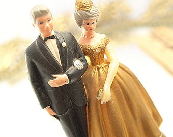 Vintage  Wedding Cake Topper Bride Groom Bridal Golden Anniversary Gold Wedding Dress