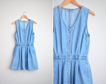 Denim L.L. Bean Sleeveless Button-Front Dress / Pleated Dress / Vintage '90s. Size M/L.