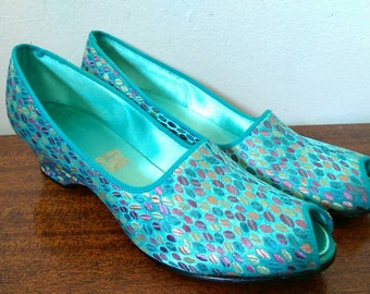 Vintage Aqua Blue Embroidered Peep Toe Wedge Slipper Shoes Size 8 / 9