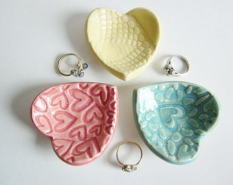 "Wedding favors, Bridal shower favors, 2.5"" Maid of honor favors, birthday favors, handmade pottery"