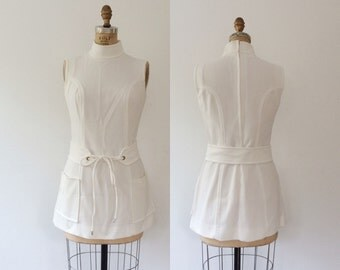 1960s dress / mini mod dress / A Go Go dress