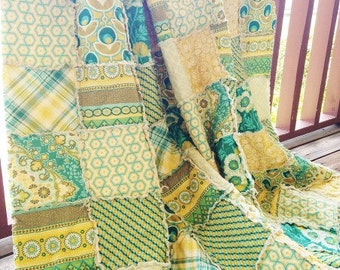 Quilt, king queen full twin, Rag Quilt, YOU CHOOSE SIZE, Notting Hill teal fabrics, Teal Green and Yellow, comfy cozy handmade bedding, sham