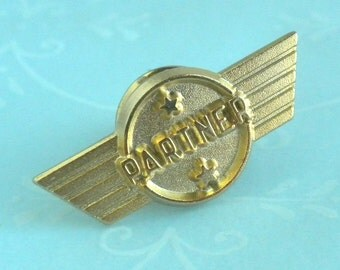 Airline partner wings pin with stars, gold tone brooch hat pin
