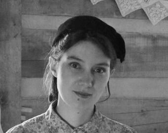 Vintage Hat Black Felt Beret 1940s