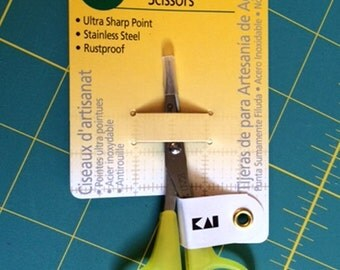 "Our Very Favorite Little Inexpensive Scissors from Omnigrid 4"" Needlecraft"