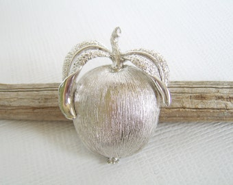 Vintage Silver Brooch, Sarah Coventry, Adam's Delight, Silver Apple, Fruit Brooch, Silver Pendant, Apple Pendant, Mid Century, Figural Pin