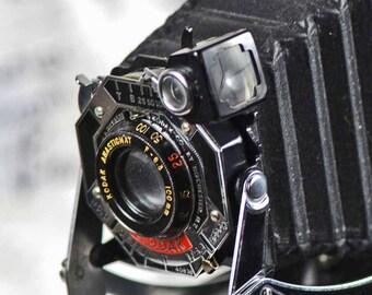 ANTIQUE  KODAK camera...   a phenomenal home decor piece...  photo prop.  collectible  p3-4 L