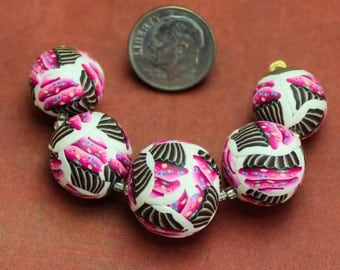 FREE SHIPPING OFFER Adorable cupcake polymer clay bead set